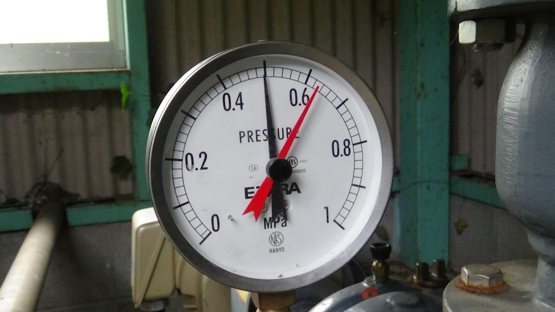 ポンプ圧力計.JPG